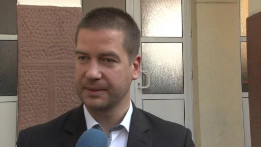 """Кандидатът за кмет Живко Тодоров гласува в СОУ """"Васил Левски"""""""