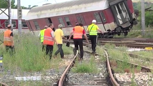 Отложиха делото за влаковата катастрофа