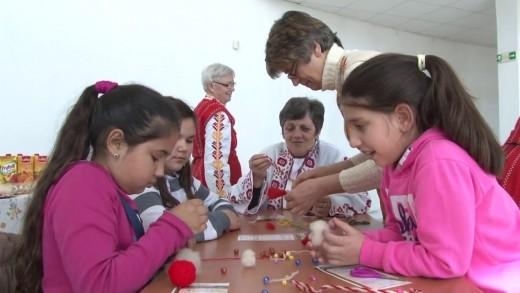 Изработват мартеници в помощ на 6-годишната Диана