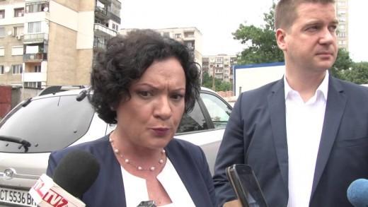 """Кмет и министър инспектираха ремонта в квартал """"Самара 3"""""""