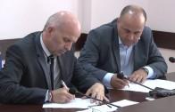Подписаха договор за прехвърляне на имот