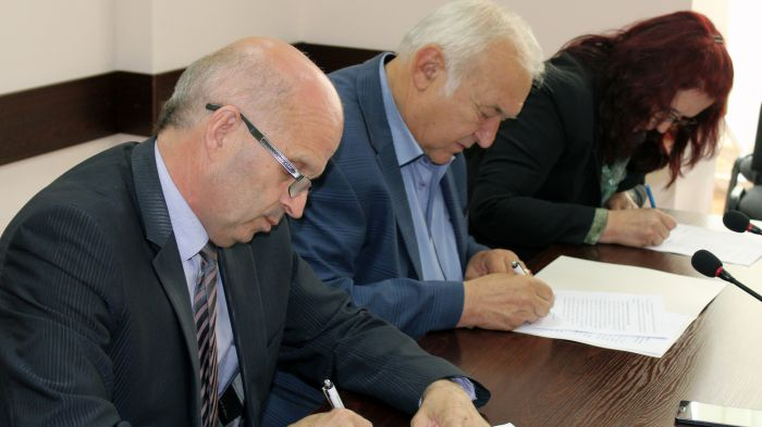 Община Павел баня получи собствеността върху парка Публикувано в Pavelbanya.eu