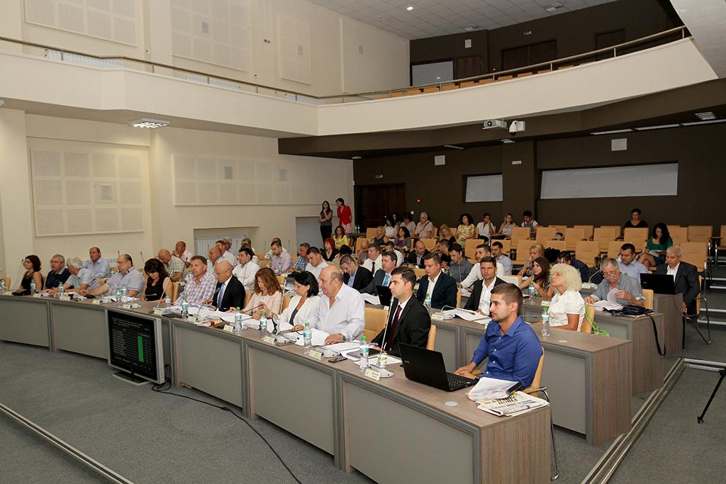 300 лева общ местен данък за таксиметровите превозвачи гласуваха старозагорските общински съветници