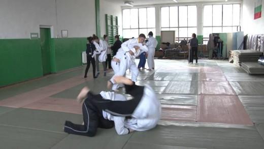 """Сребърен медал от  международен турнир по джудо спечели състезателка от СК """"Недьо Ранчев"""""""
