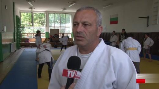 """Девойките на СК """"Недьо Ранчев"""" спечелиха шампионската титла на държаното отборно първенство"""