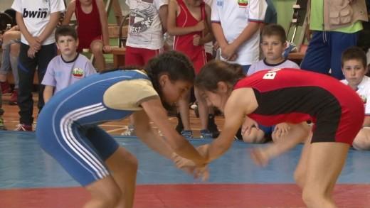 """Над 160 състезатели ще участват на международния турнир по борба """"Станчо Колев"""""""