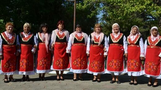 Pevcheska grupa Maria Benisheva