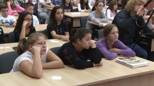 """Шеф Манчев посети Второ основно училище """"Петко Рачов Славейков"""""""