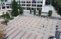 Започна демонтажът на елементи от старото площадно пространство пред Общината в Стара Загора