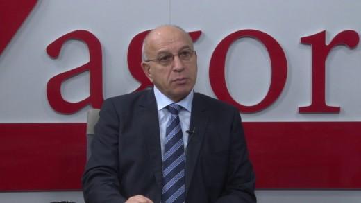 Най- големият проблем в България е противопоставянето, а не бедността, според Емил Христов