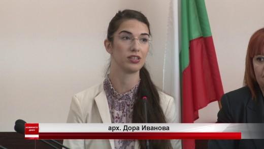 Областният управител Гергана Микова и арх. Дора Иванова дадоха днес пресконференция за паметника Бузлуджа