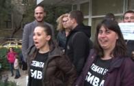 Старозагорци на протест пред Областна администрация с искания за оставка на вицепремиера Валери Симеонов