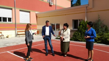 Младежки инициативи за Стара Загора търси от ученици народният  представител Радостин Танев