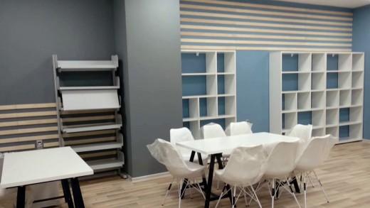 """Регионалната библиотека в Стара Загора посреща младежи в модерна """"тийн"""" зона"""