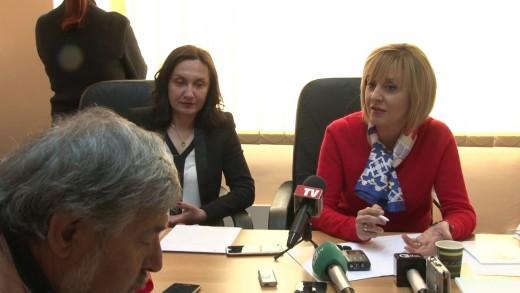 Мая Манолова ще се срещне с персонала на старозагорската болница