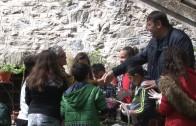 Деца боядисаха 300 яйца в двора на Мъглижкия манасир на Велики Четвъртък
