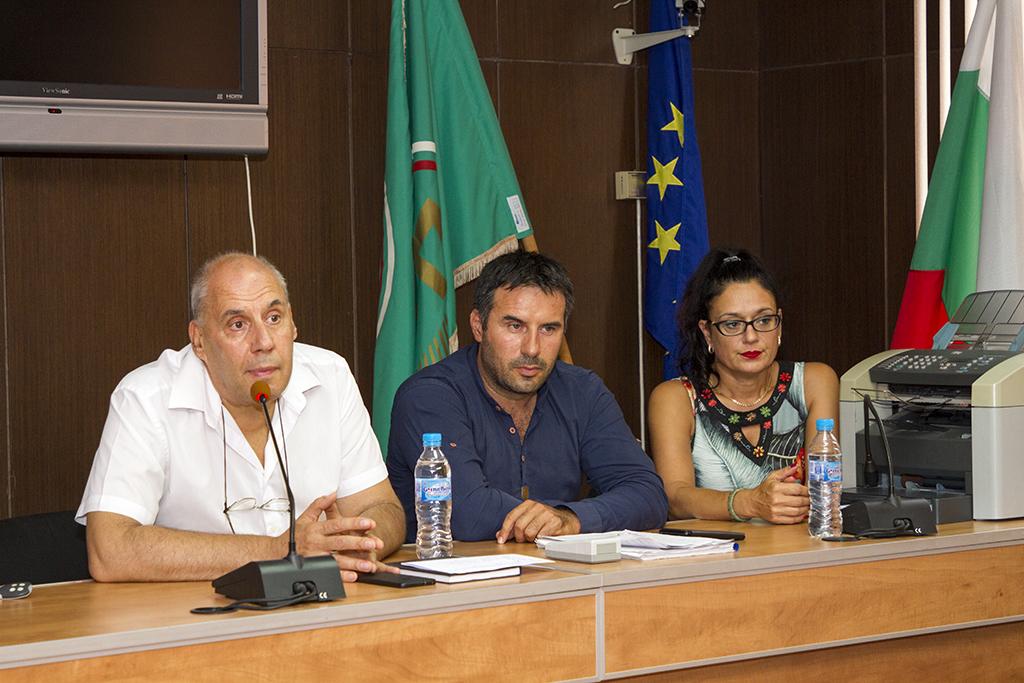 """Обсъждаха мерки за ограничаване на заболяването """"Африканска чума по свинете""""  в Стара Загора"""