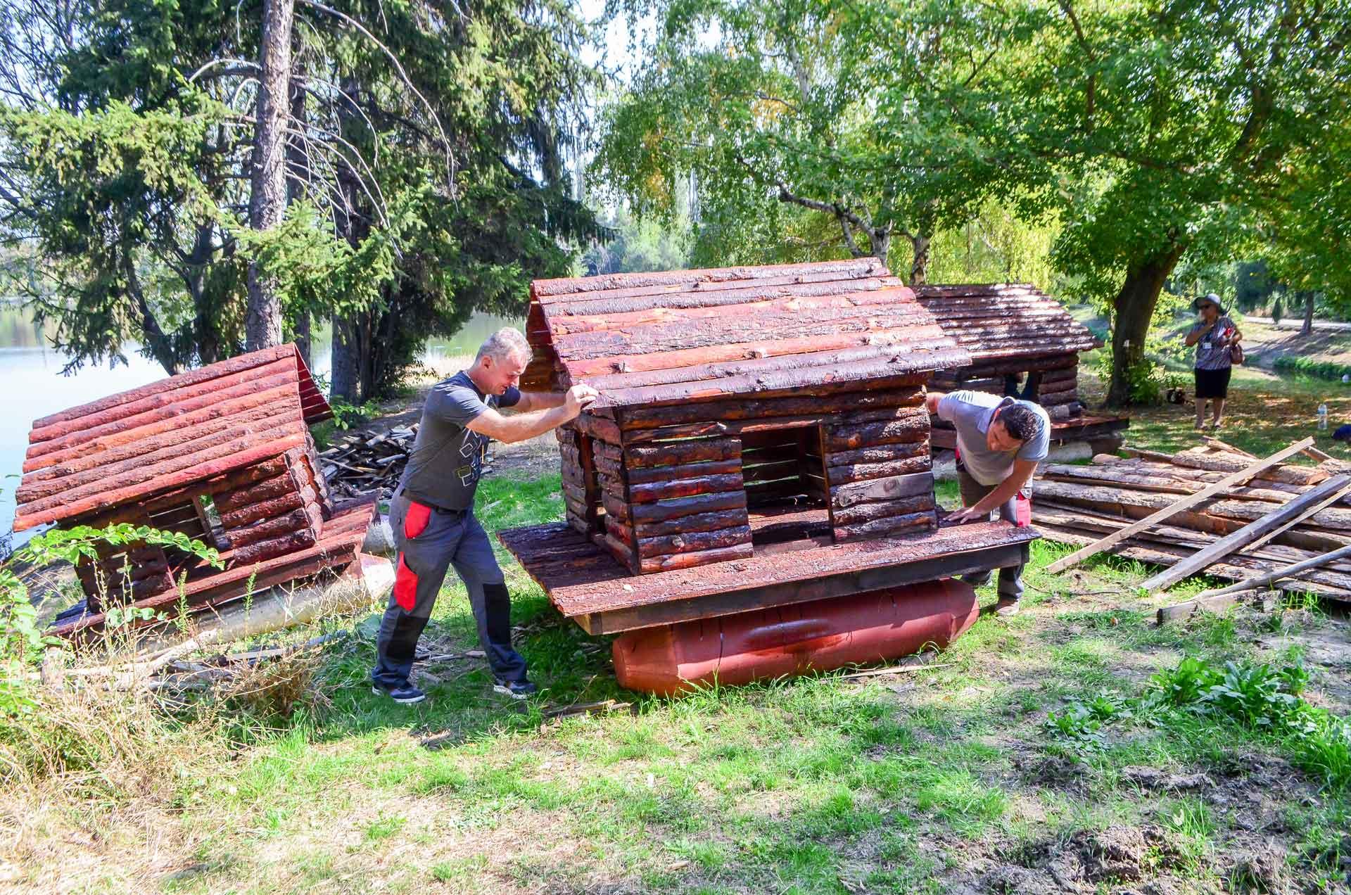 """Ремонтираха къщичките на патиците в езеро """"Загорка"""""""
