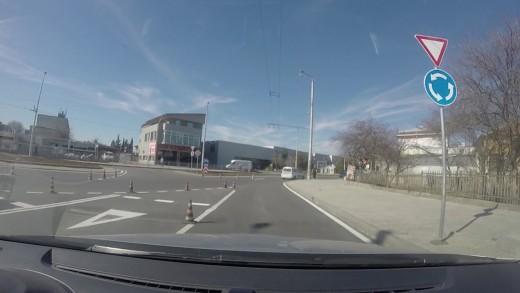 Кръговото кръстовище в кв. Кольо Ганчев е напълно готово