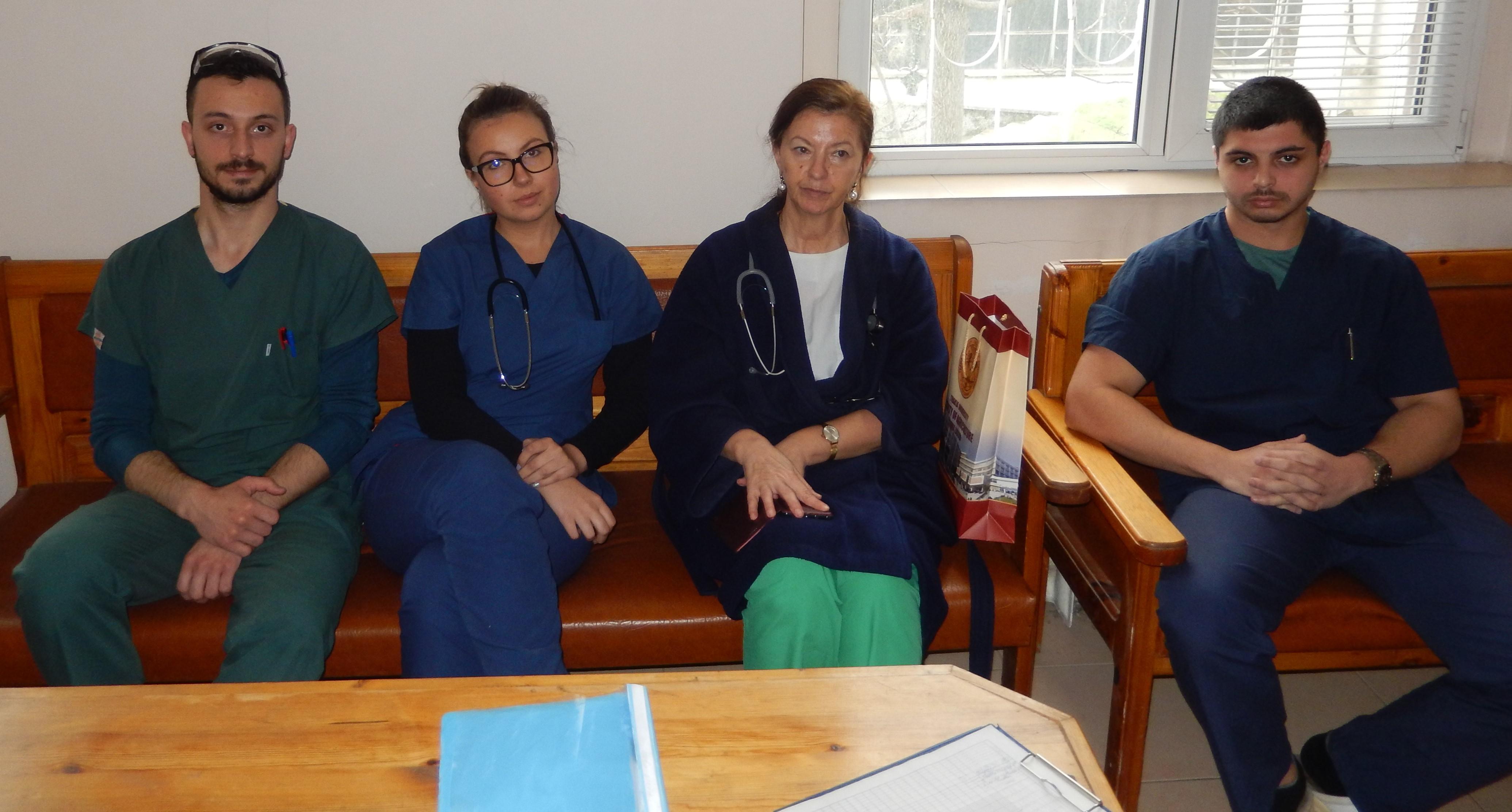 26 студенти-медици от Тракийски университет са в готовност да се включат в борбата с COVID-19, а трима вече са на първа линия