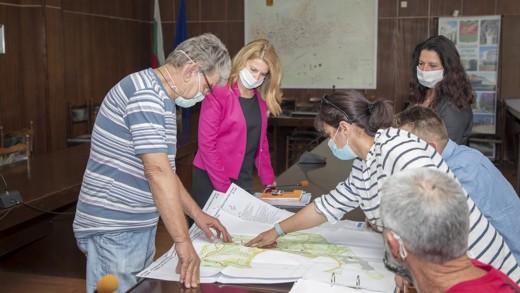 Обществен съвет обсъди преместването на скулптури в Станционната градина
