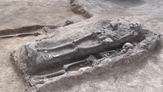 Некропол от 12, 13 век откриха в центъра на Стара Загора