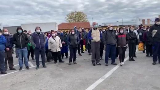 Работници на Булметал на протест срещу действия на местната власт в Гурково