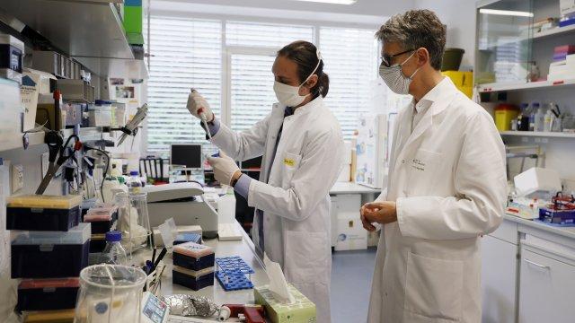 """В УМБАЛ """"Проф. д-р Стоян Киркович"""" – Стара Загора лекуват пациенти с COVID-19 със съвременна апаратура"""