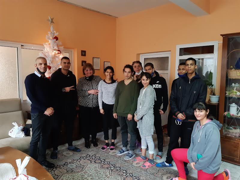 Коледни подаръци получиха възпитаниците на домовете за деца лишени от родителска грижа в Стара Загора