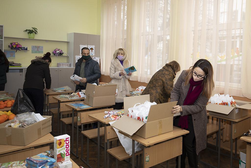 Старозагорско училище с дарение към възрастните хора