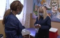 Ваксинирането на учителите в Стара Загора започна първо в Шесто основно училище