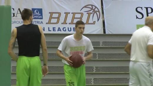 """Баскетболистът на """"Берое"""" Остин Барнс ще пропусне двубоя срещу """"Сигал"""""""