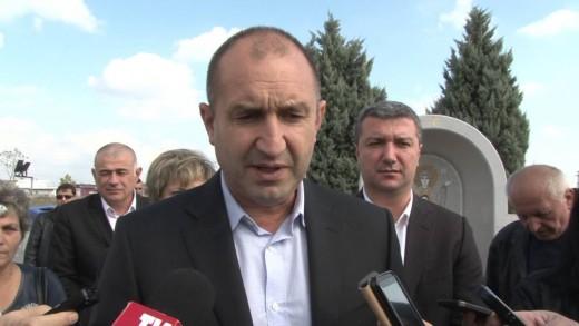 Генерал Румен Радев на предизборна среща в Раднево
