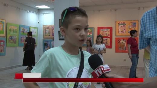 """Годишната изложба на школите по живопис , малка пластика и приложни изкуства бе открита в зала """"Байер"""""""