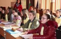 Областният управител Гергана Микова посети открит урок за Левски
