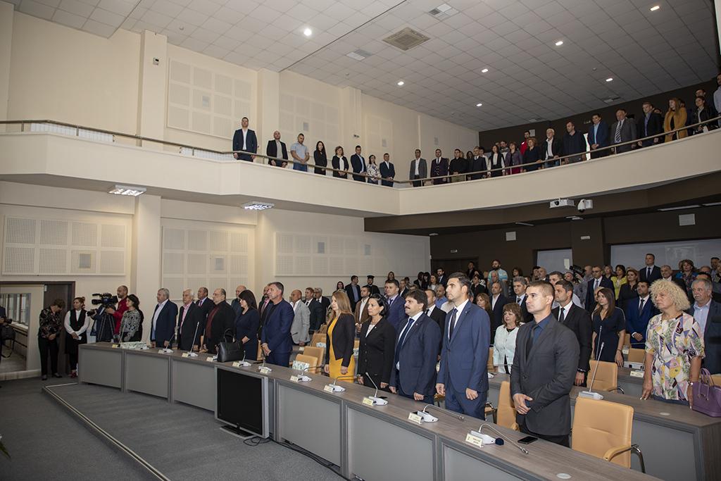 Стара Загора награди своите почетни граждани на тържествена сесия на Общинския съвет