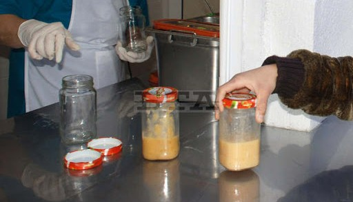 """Хасково (4 декември 2007) Нова кухня за деца бе открита в 17-та детска градина """"Иглика"""" в големия хасковски квартал """"Каменни"""". Храната за малчуганите струва 1.50 лв., от които майките ще плащат само 0.70 ст., а останалата част се поема от общината.  Пресфото-БТА снимка: Ники Матанов /дд/"""