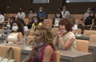 Министър Ангелкова в Стара Загора на среща с бранша, домакините не допуснаха камери в зала