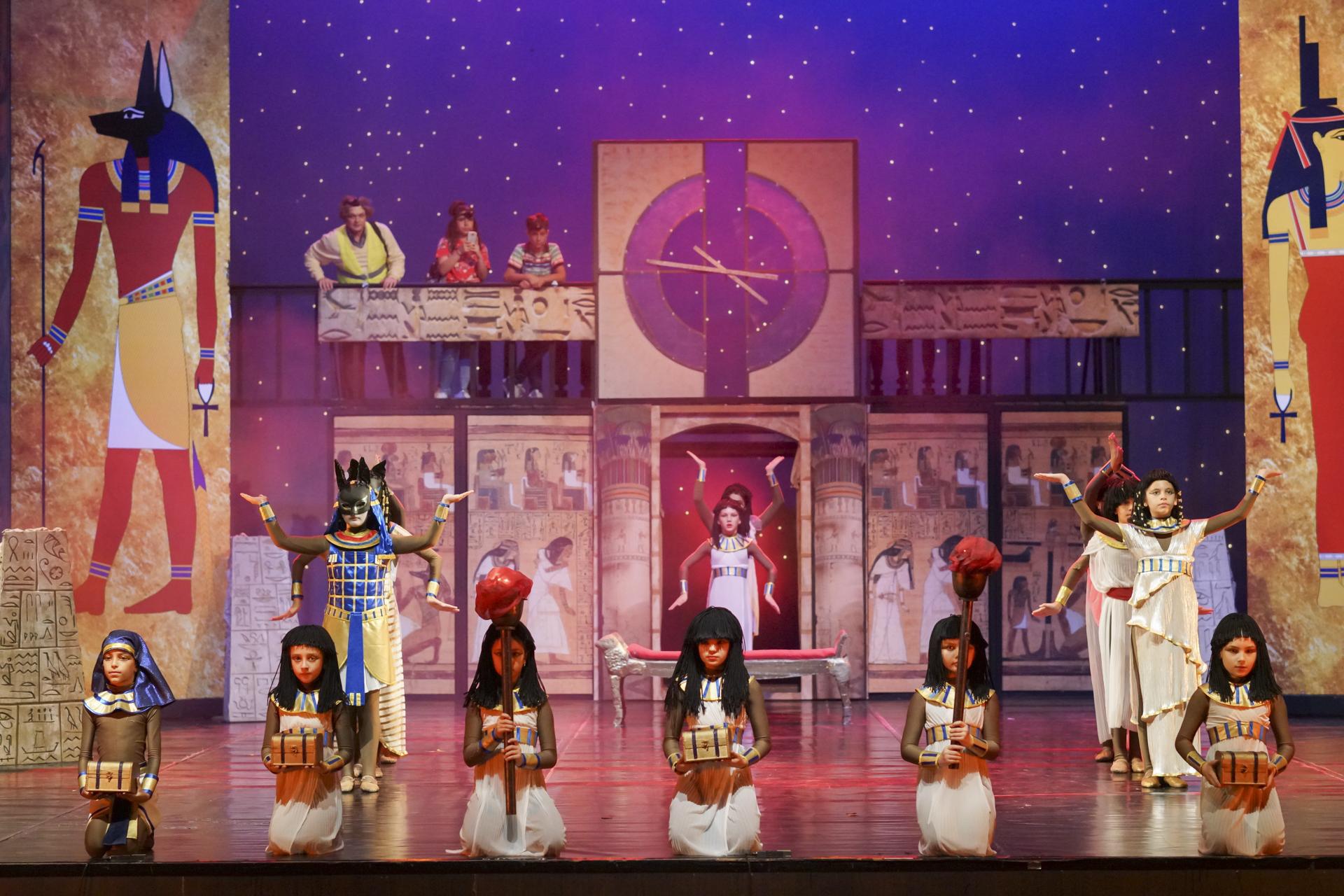 Прослушване за попълване на балетната и вокална школи към операта