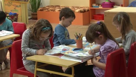 Висок интерес към присъственото обучение в детски градини и начална училища степен, организацията за ваксиниране на учителите още не е започнала