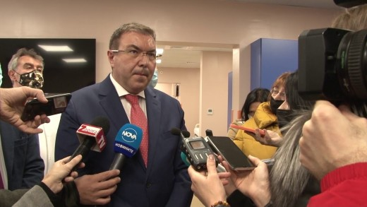 Министър Костадин Ангелов пред журналисти в Стара Загора-Казано днес