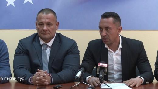 Пресконференция по повод частичните избори за кмет на община Мъглиж. Участват областният координатор на партията Пламен Йорданов и д-р Душо Гавазов,който спечели изборите на първи тур.