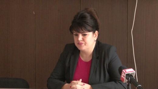 Спор за срока за удължаване на договорите на временни търговски обекти на общински терени